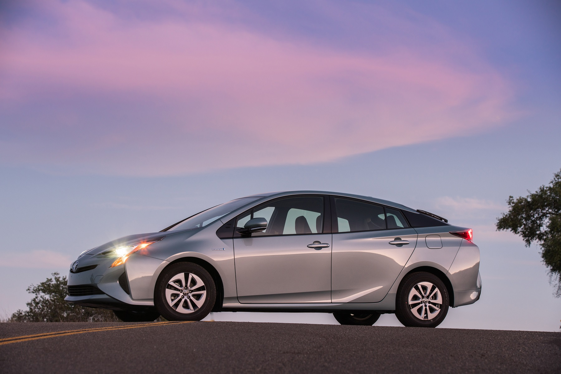 Manufacturer Photo Some Of The Most Fuel Efficient 2017 Cars Are Toyota Prius