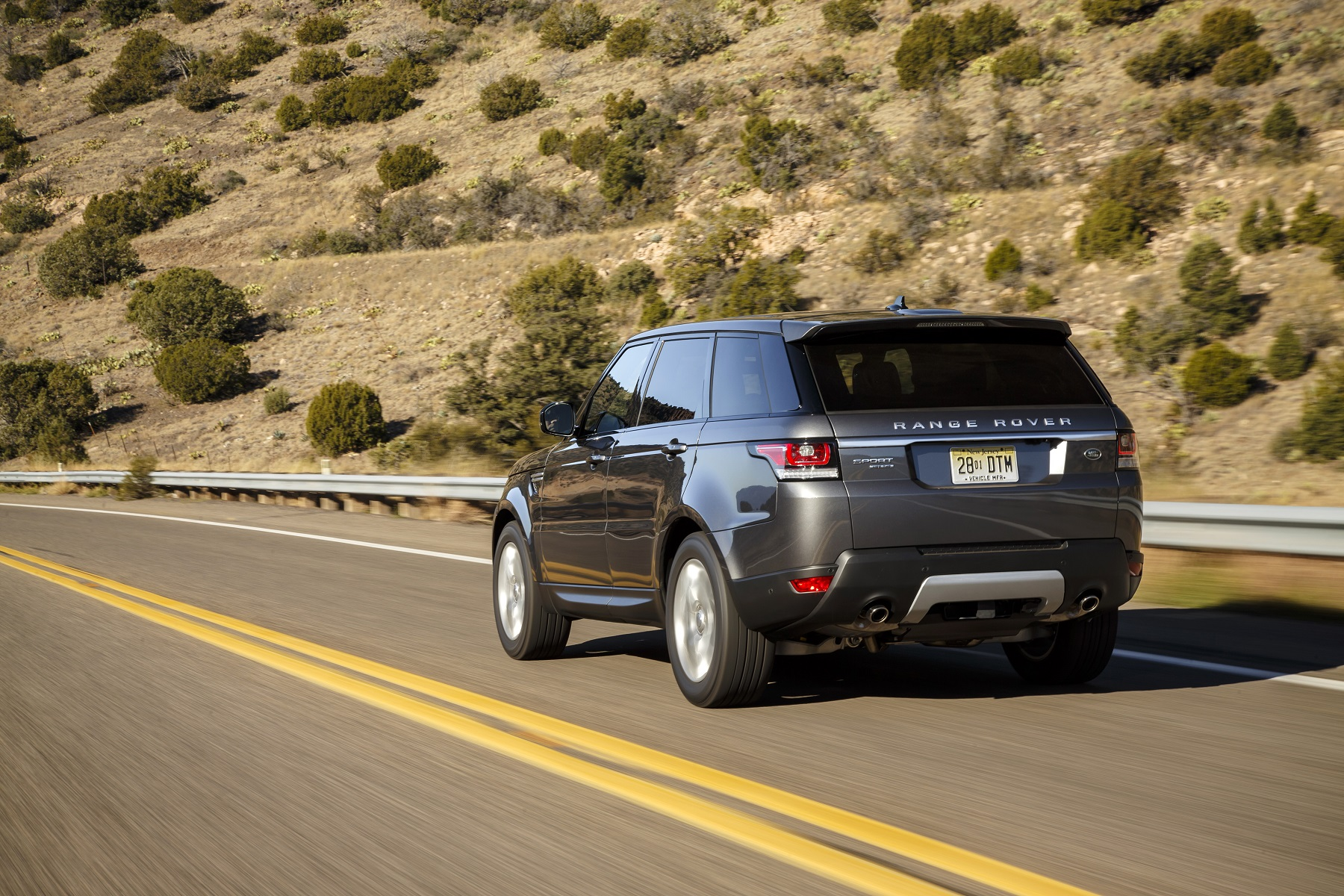 Manufacturer photo: The 2017 Range Rover Sport HSE Td6 is a midsize, two-row sport utility vehicle