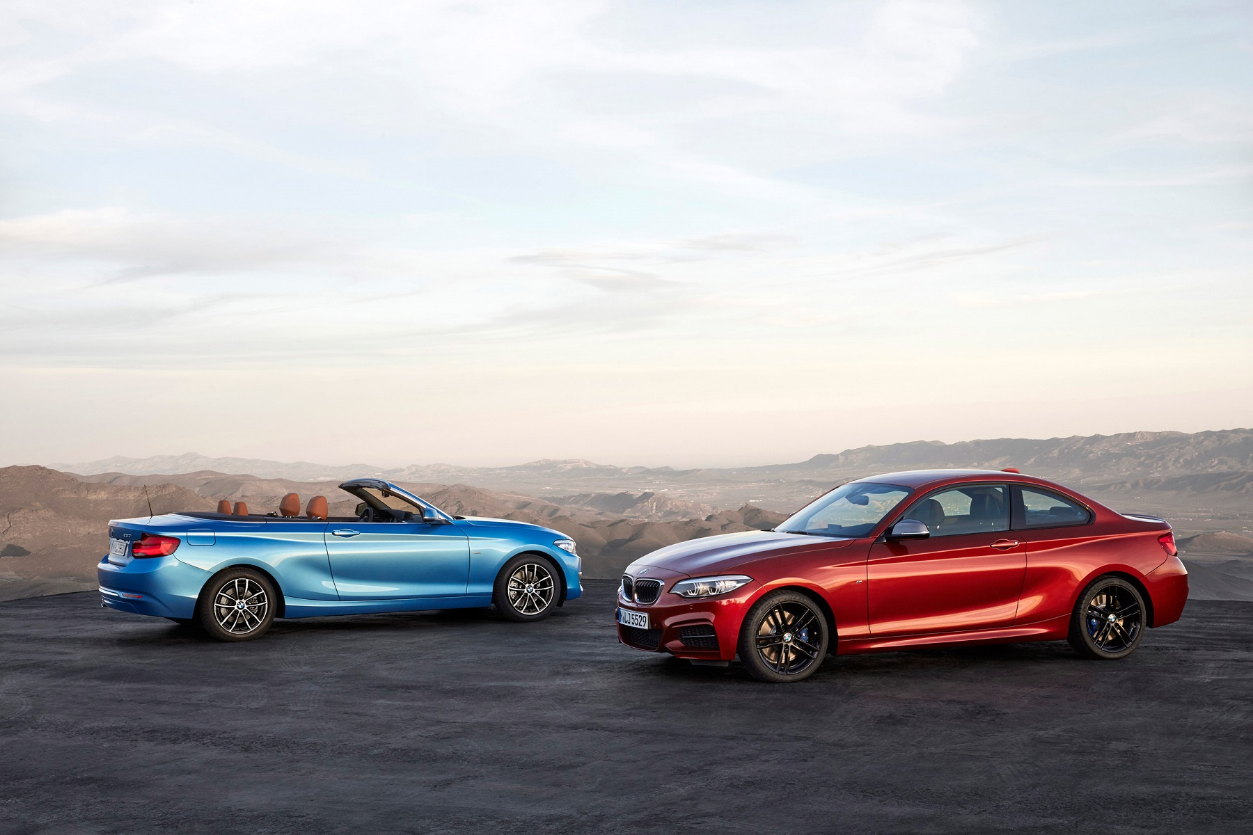 Manufacturer photo: The BMW 2 Series features the latest generation of BMW TwinPower Turbo 4-cylinder and 6-cylinder inline engines, that paired with specifically tuned chassis and suspension promotes a driving experience that fuels sporting ambition