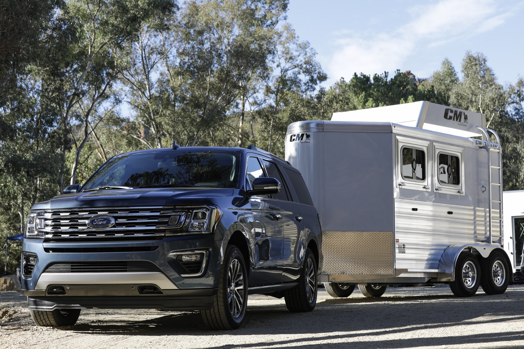 Manufacturer photo: The Expedition's all-new high-strength, aluminum-alloy body and redesigned high-strength steel frame enhance off-road and towing capabilities