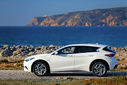 Infiniti QX30: Dynamic-Driving Compact Crossover