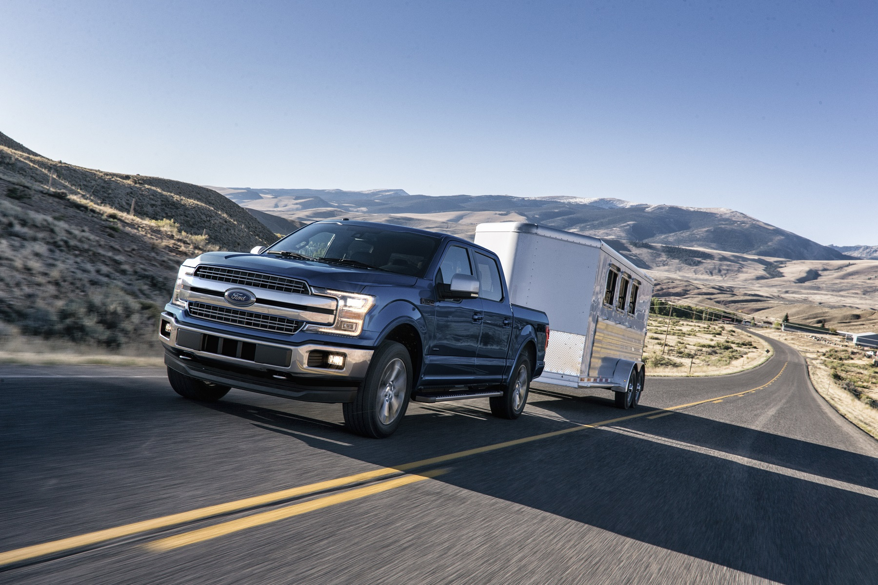 Manufacturer photo: The 2018 F-150 arrives with bold new front and rear styling, advanced technologies and improved engines