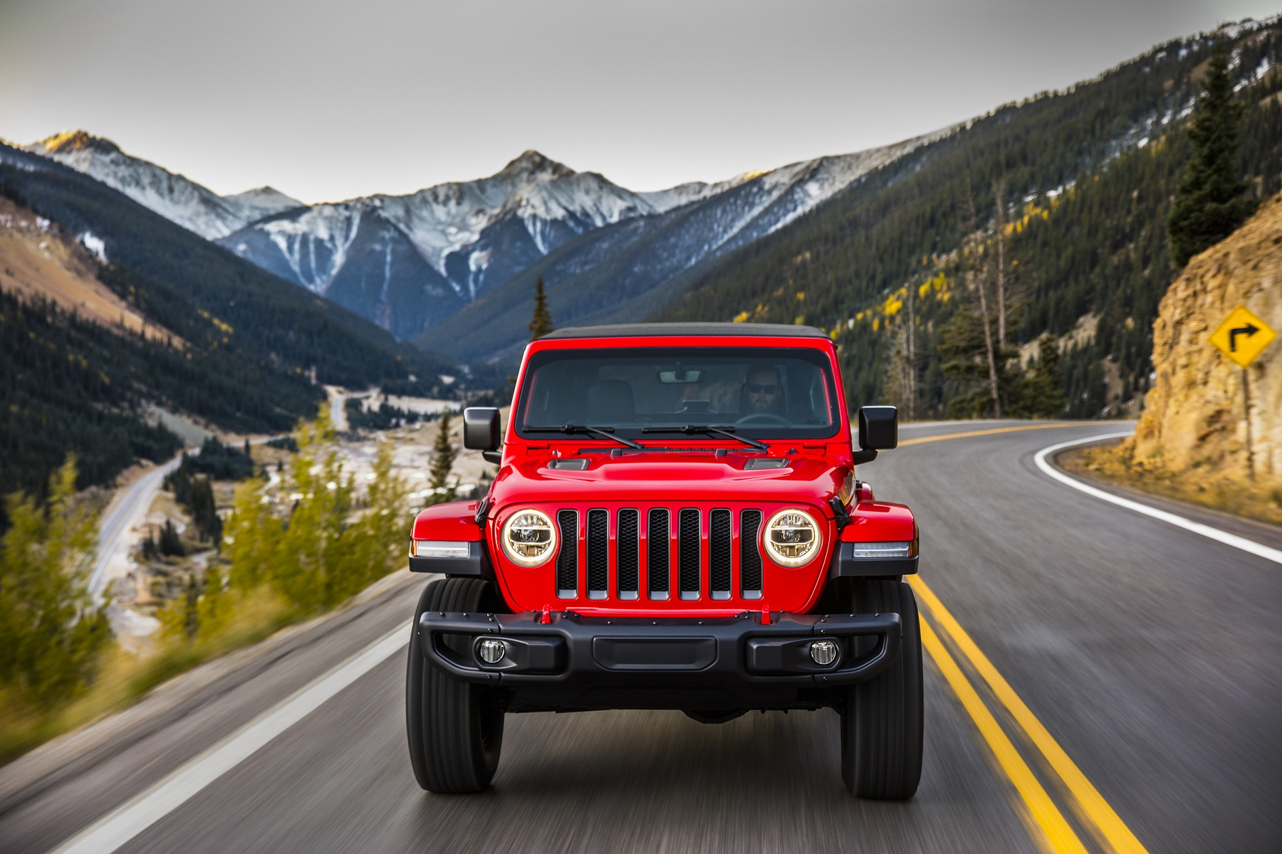 Manufacturer photo: The 2018 Jeep Wrangler delivers unmatched off-road capability with legendary four-wheel drive and is produced with more than seven decades of 4x4 engineering experience