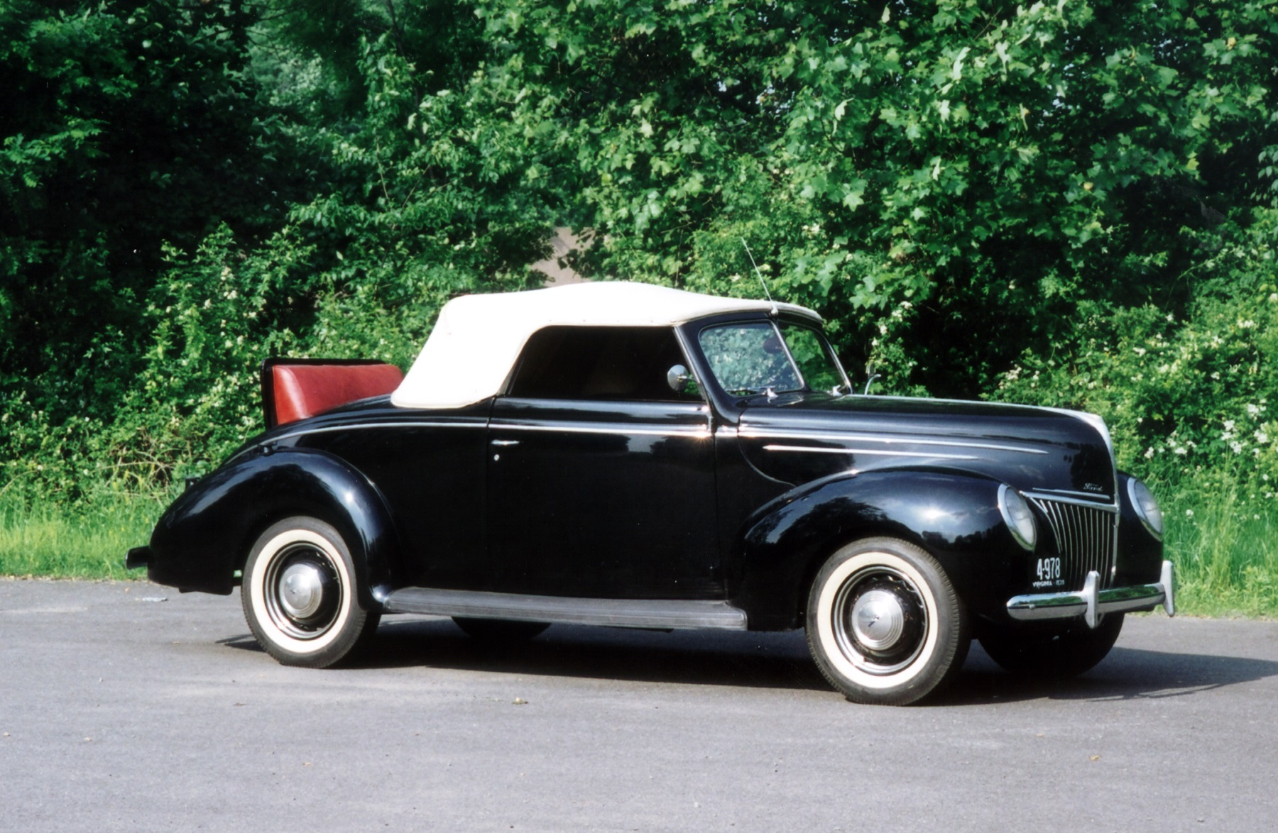 1939 Ford Deluxe 3 Passenger Convertible Coupe Classic Classics Groovecar