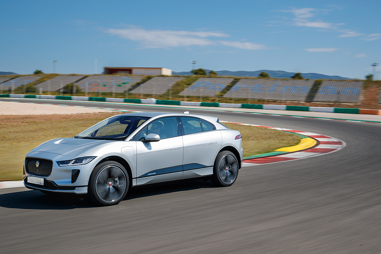 2019 Jaguar I-Pace: I'm Electrified