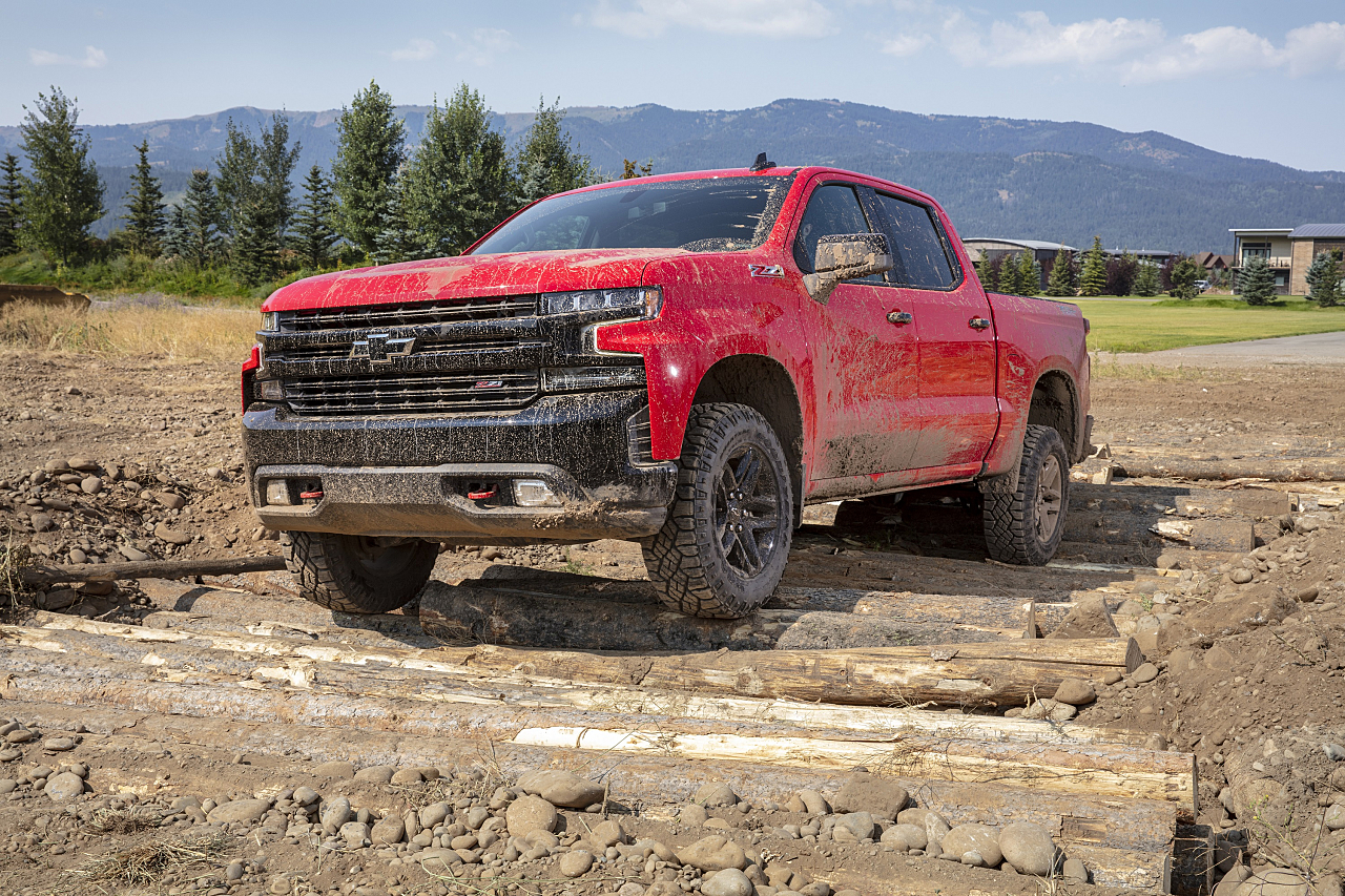 2019 Chevy Silverado Trail Boss: Brawny for the Off-Road