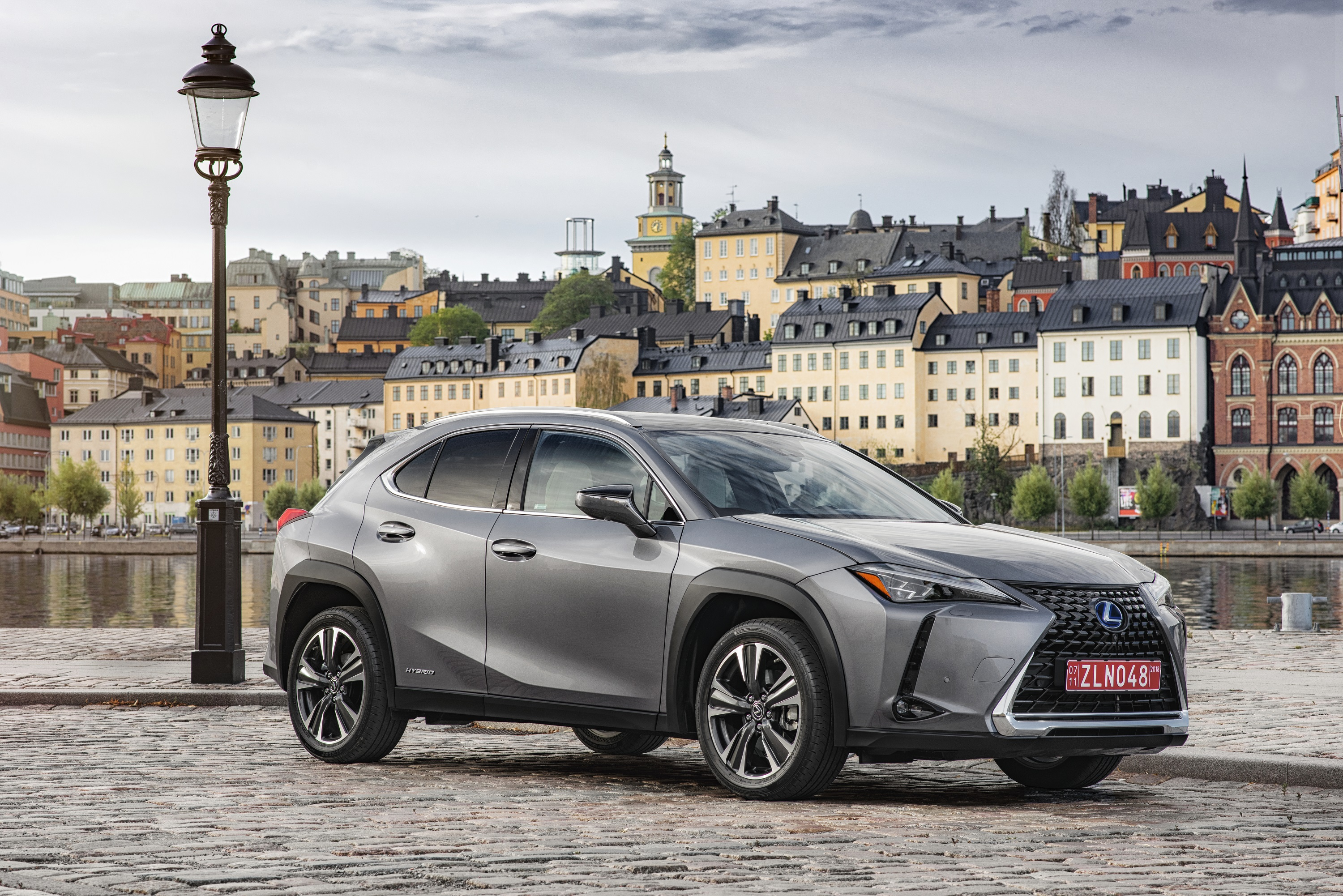 Manufacturer Photo Lexus Opens A New Gateway Into The Luxury Brand With 2019 Ux