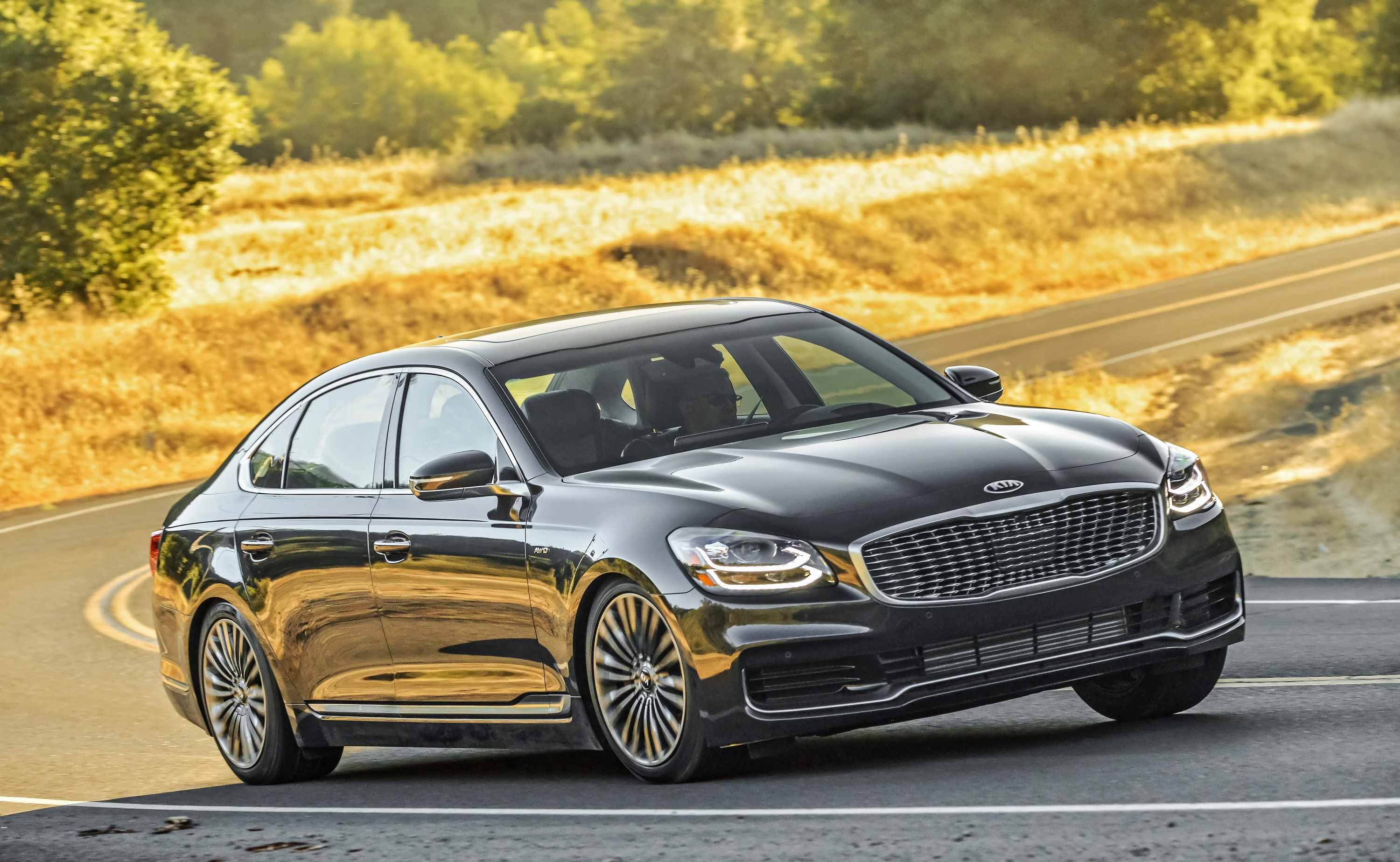 Manufacturer photo: Kia unveils the completely redesigned 2019 K900 sedan, establishing a new standard for luxury