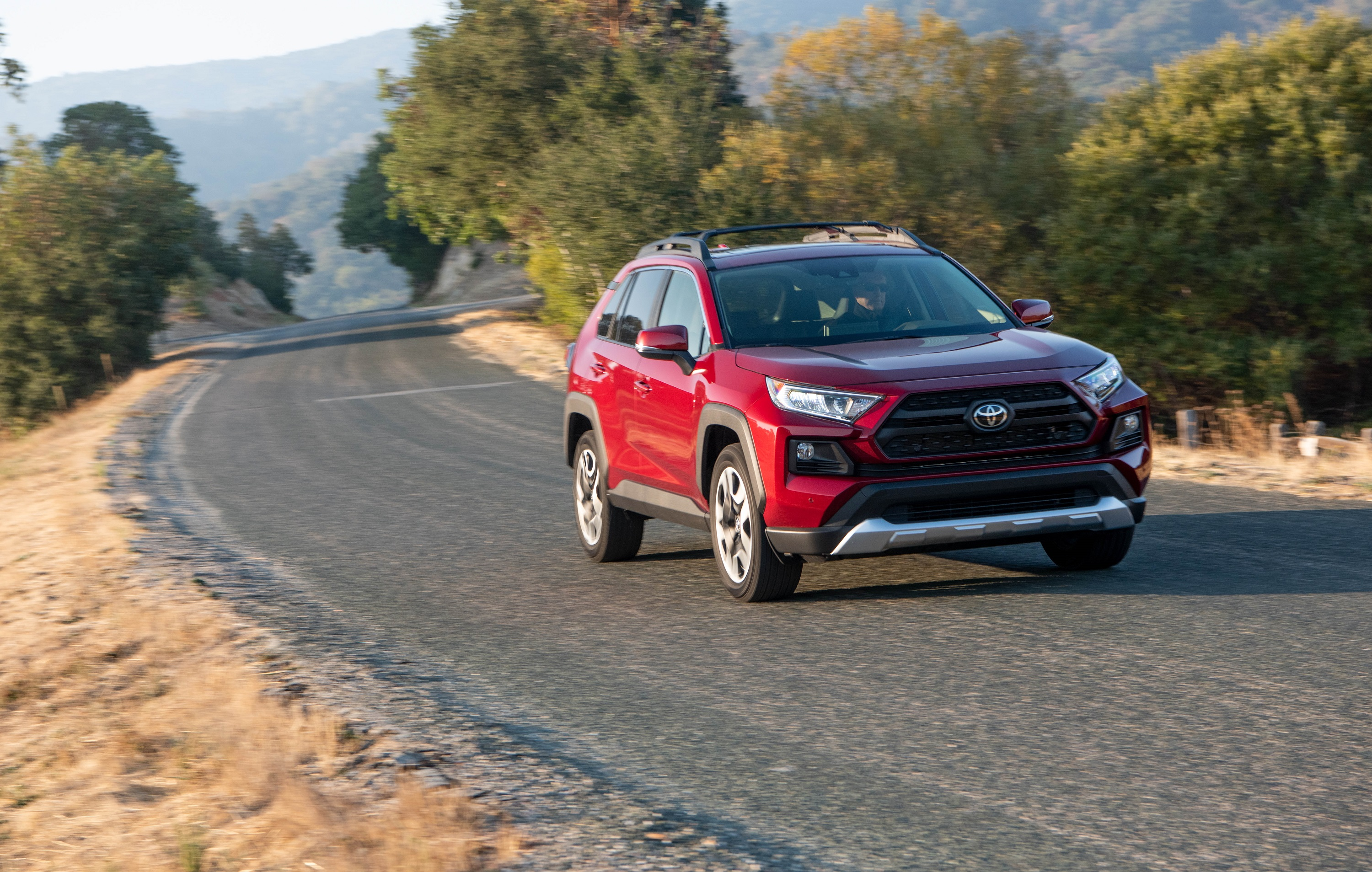 Manufacturer photo: For the all-new RAV4, an emphasis is placed on maximizing the presence of a small SUV while maintaining high levels of finesse inside and out