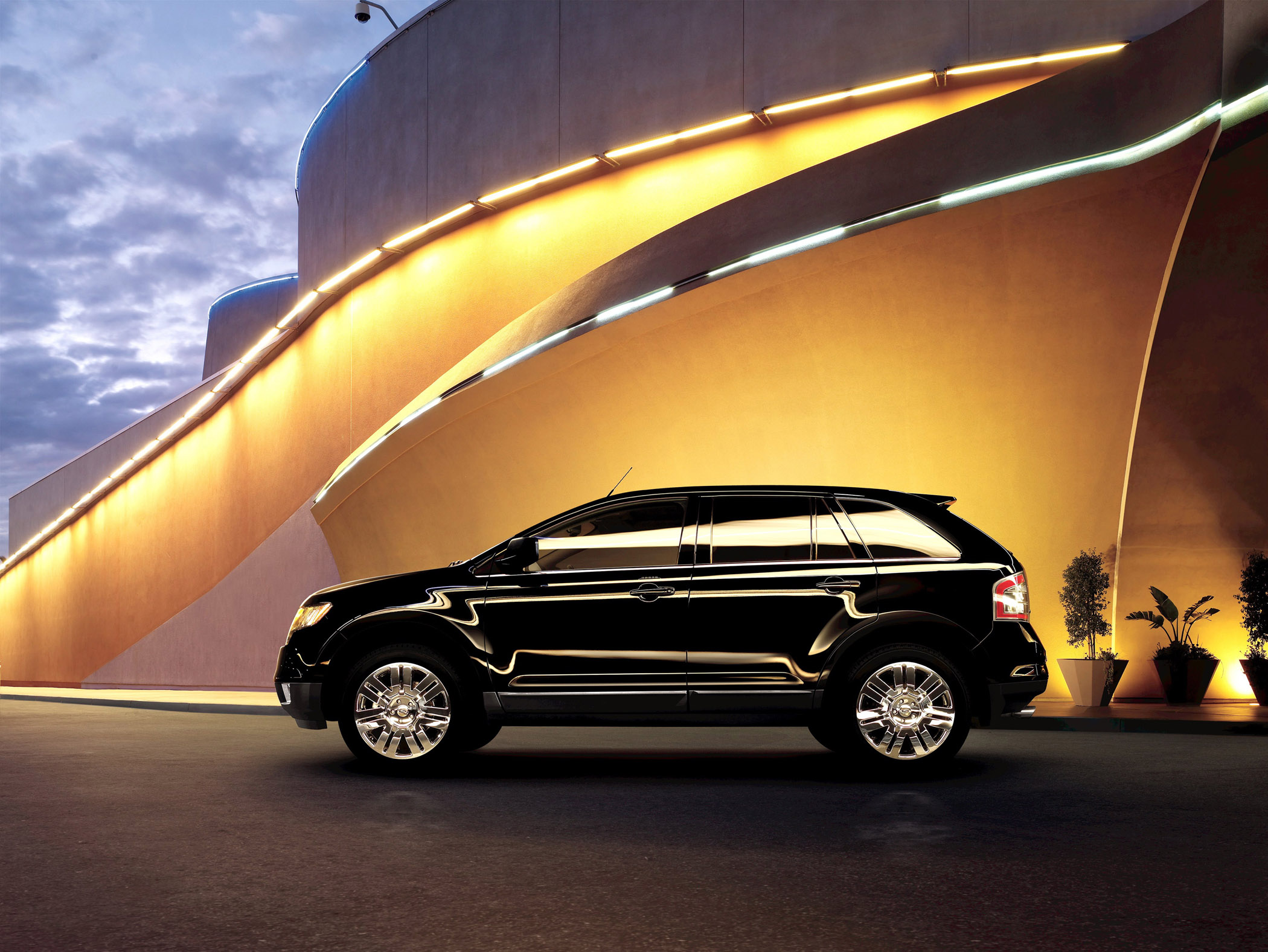 Manufacturer photo: 2010 Ford Edge
