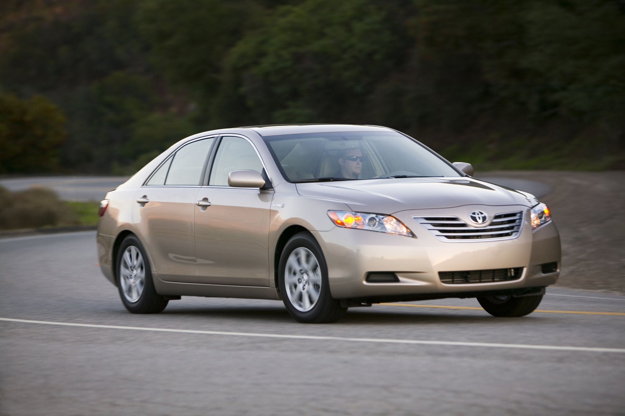 Manufacturer photo: 2008 Toyota Camry Hybrid