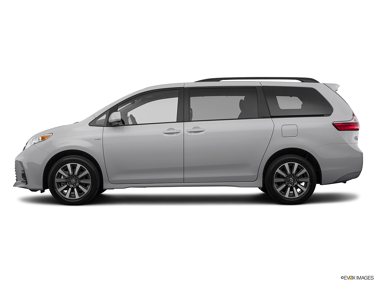 Image of 2020 Toyota Sienna LE 7-Passenger