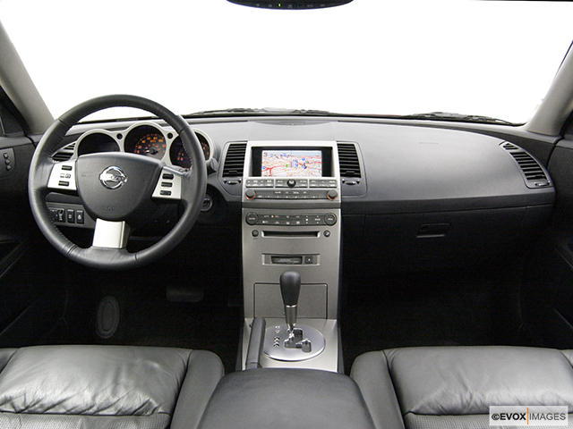 2004 Nissan Maxima 3 5 Se Centered Wide Dash Shot
