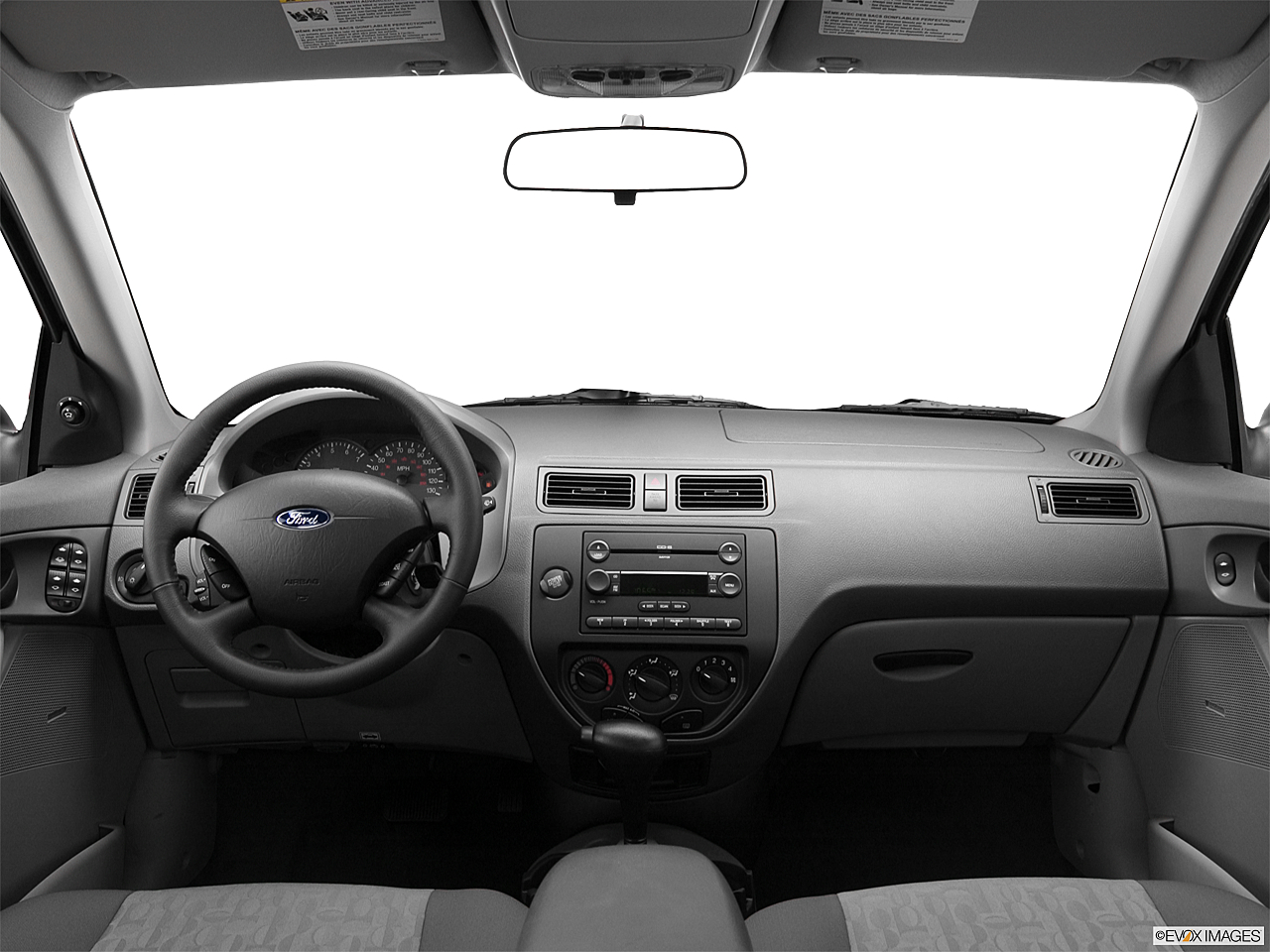 2005 ford focus zx4 se centered wide dash shot