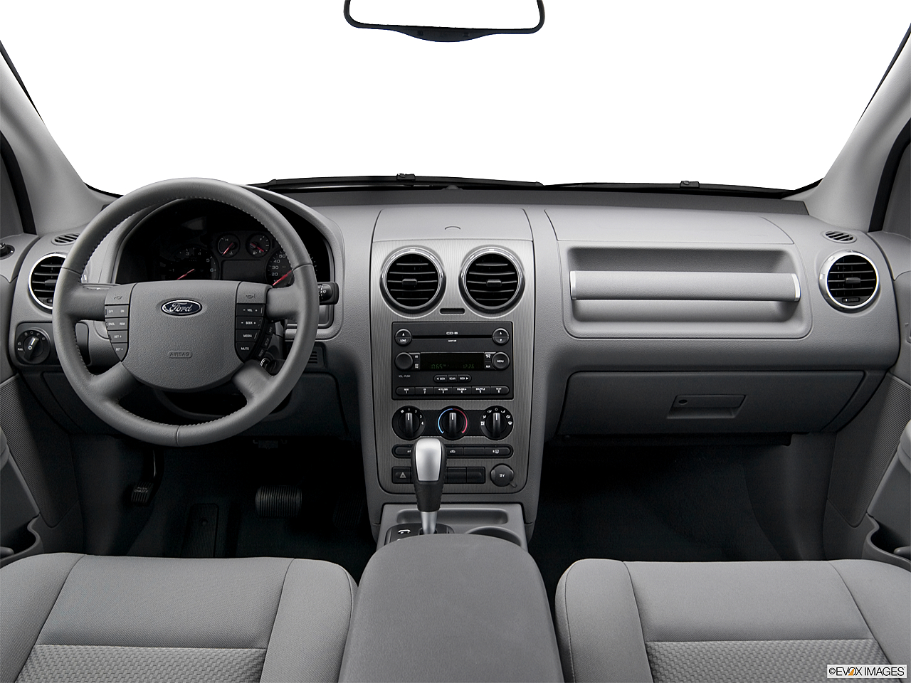 2005 ford freestyle sel centered wide dash shot