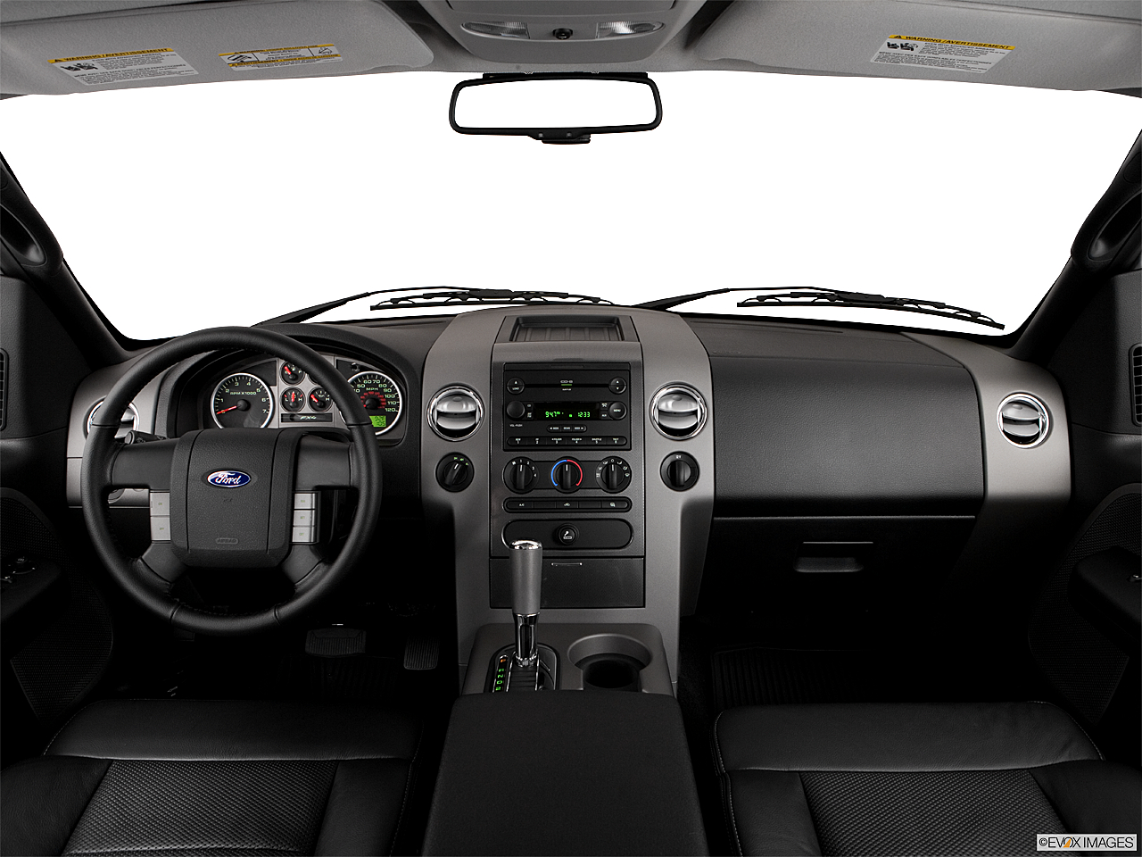 2006 Ford F-150 FX4, centered wide dash shot