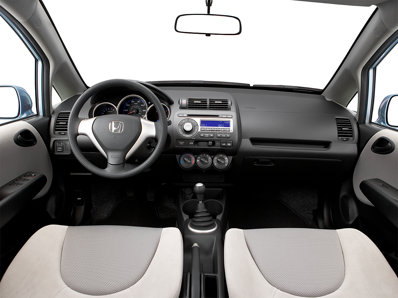 2007 Honda Fit, centered wide dash shot