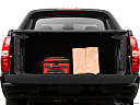 2009 Chevrolet Avalanche LS, trunk props.