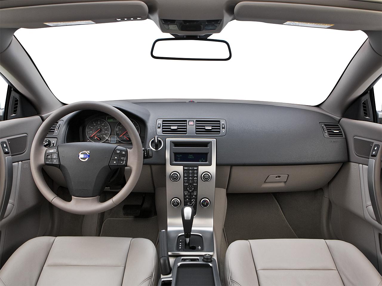 2009 Volvo C70 T5 A Cv Centered Wide Dash Shot