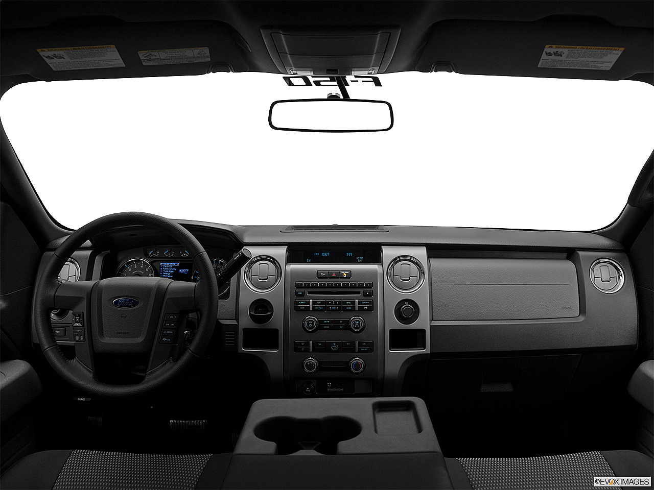 2011 Ford F-150 XLT, centered wide dash shot