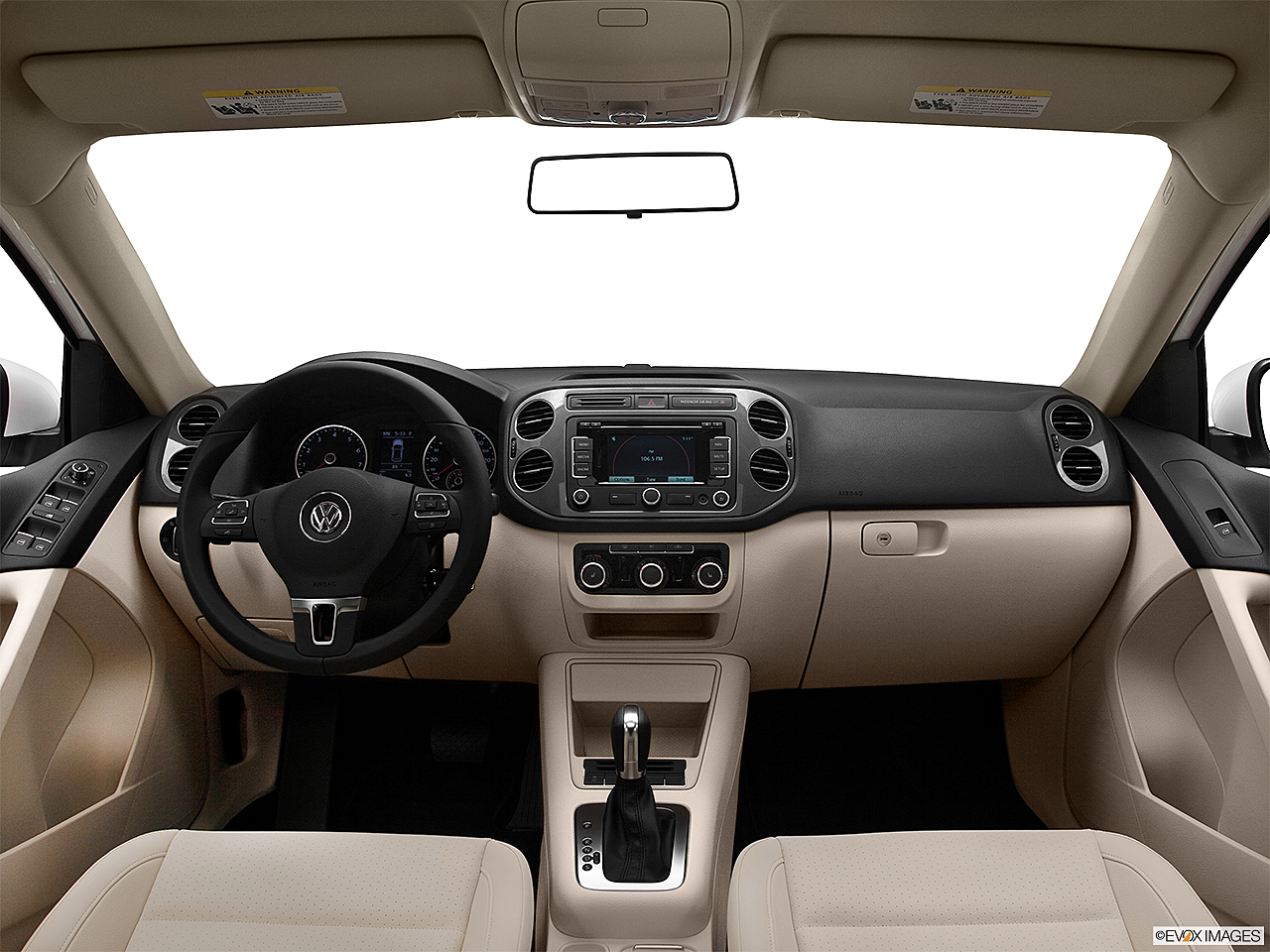 2012 Volkswagen Tiguan SE w/Sunroof and Nav, centered wide dash shot