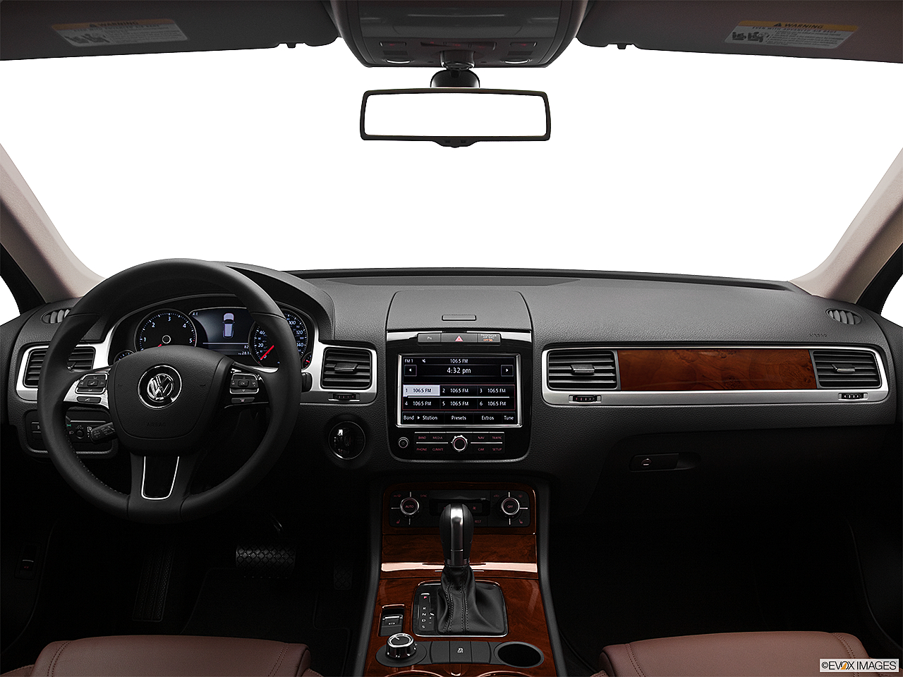2012 Volkswagen Touareg TDI Lux, centered wide dash shot