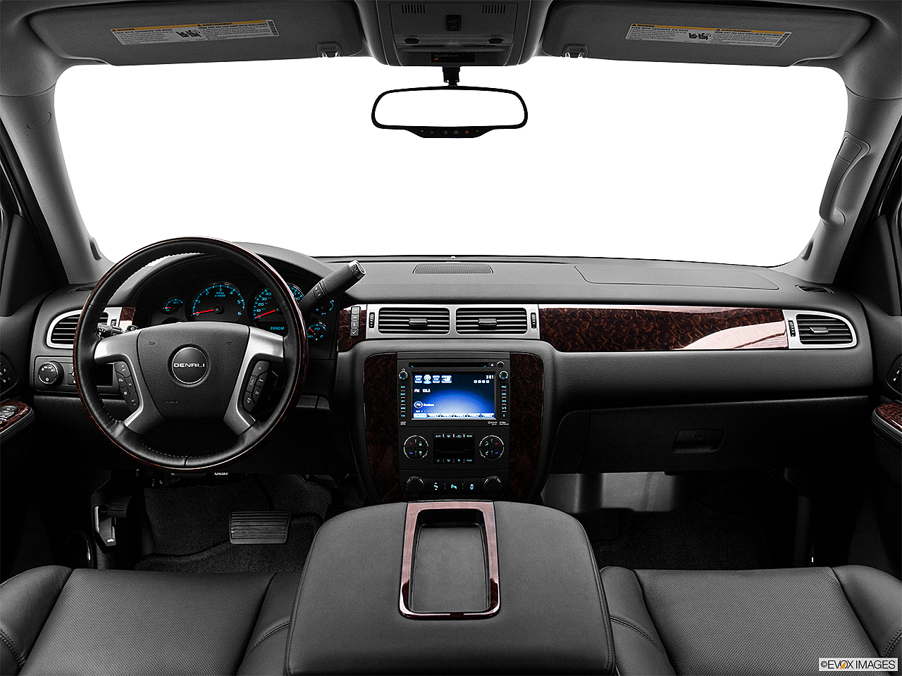 2013 GMC Yukon Denali, centered wide dash shot
