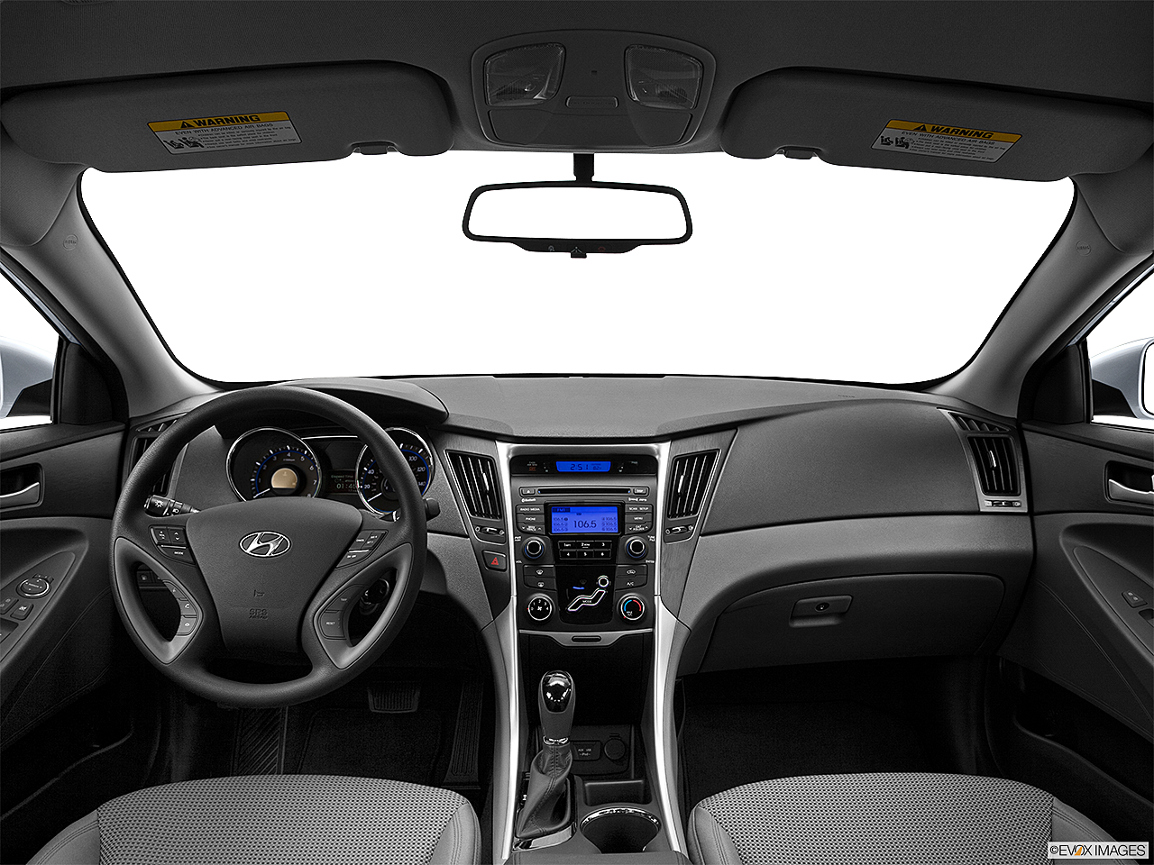 2013 Hyundai Sonata GLS, centered wide dash shot