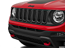 2015 Jeep Renegade Trailhawk, close up of grill.