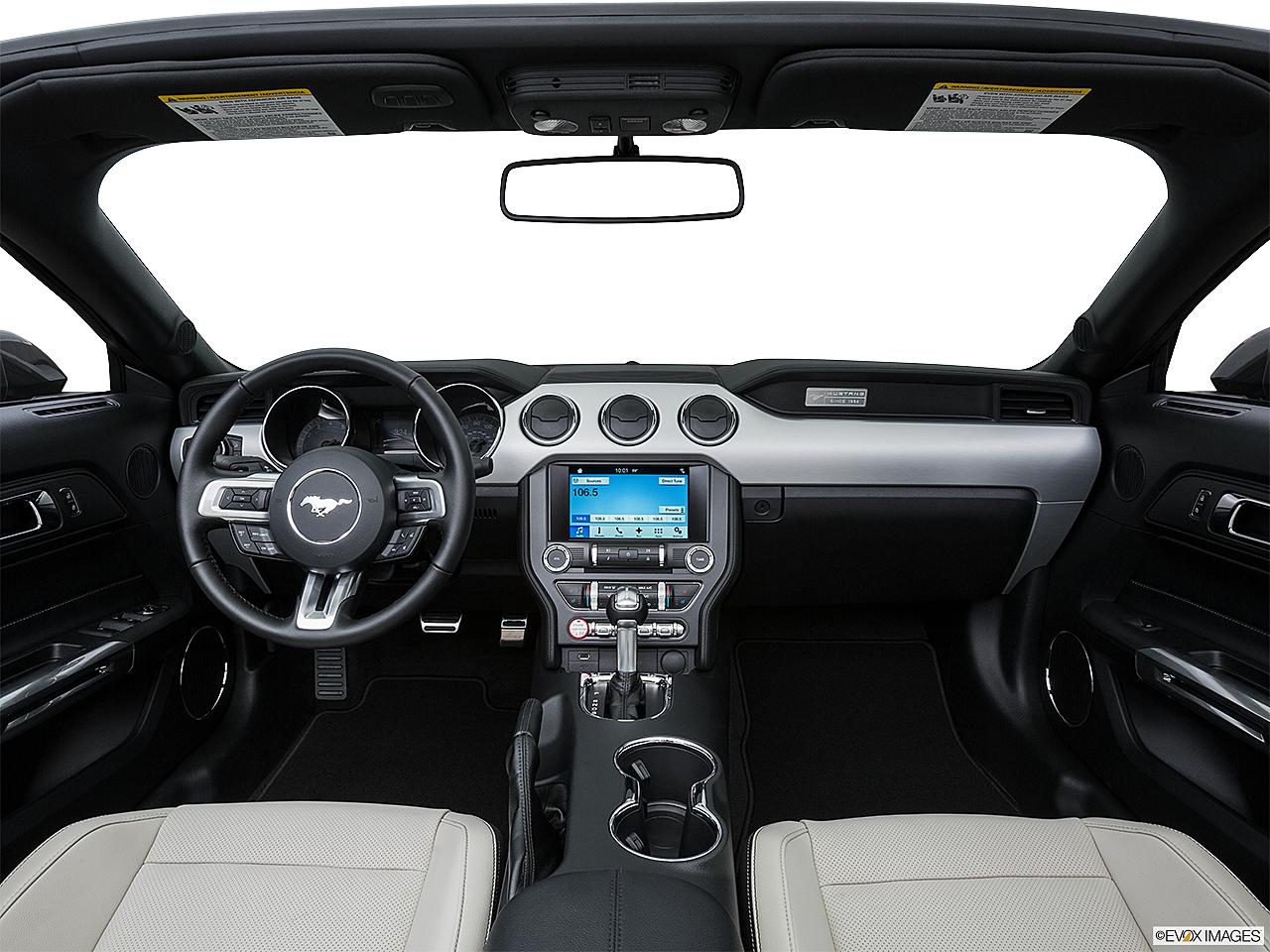 2016 ford mustang v6 centered wide dash shot