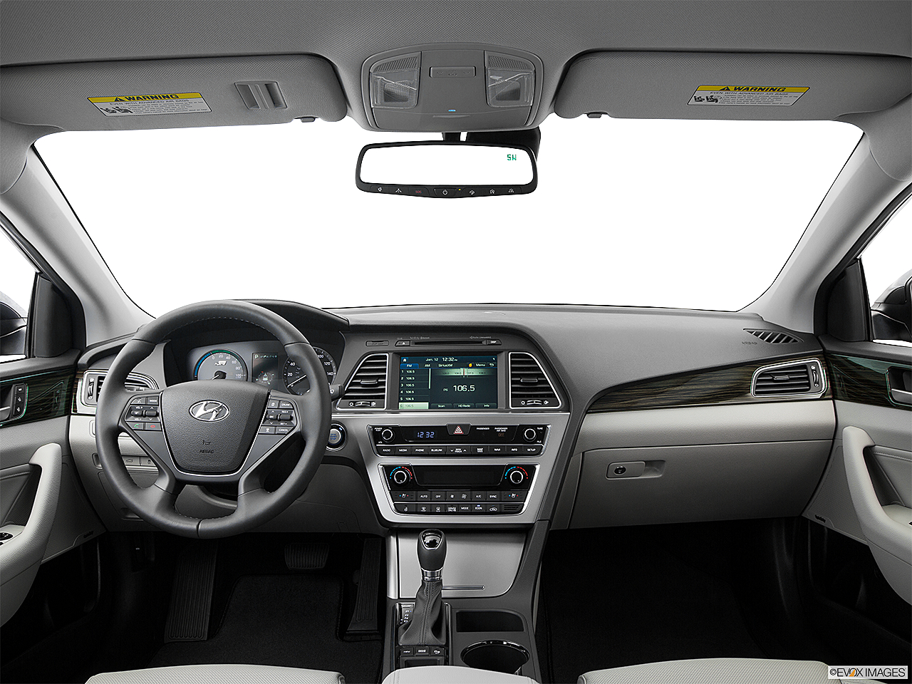 2016 Hyundai Sonata Plug In Hybrid Limited Centered Wide Dash Shot