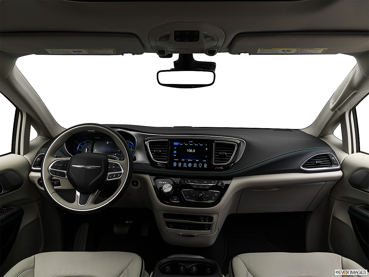 2017 Chrysler Pacifica Hybrid Platinum Centered Wide Dash Shot