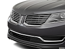 2017 Lincoln MKX Premiere, close up of grill.