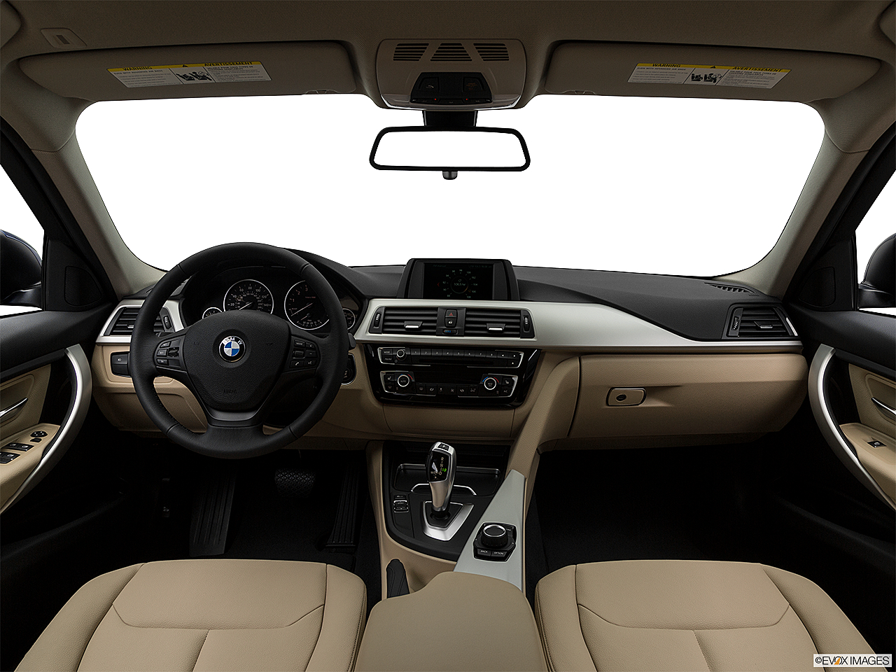 2018 BMW 3-series 320i, centered wide dash shot