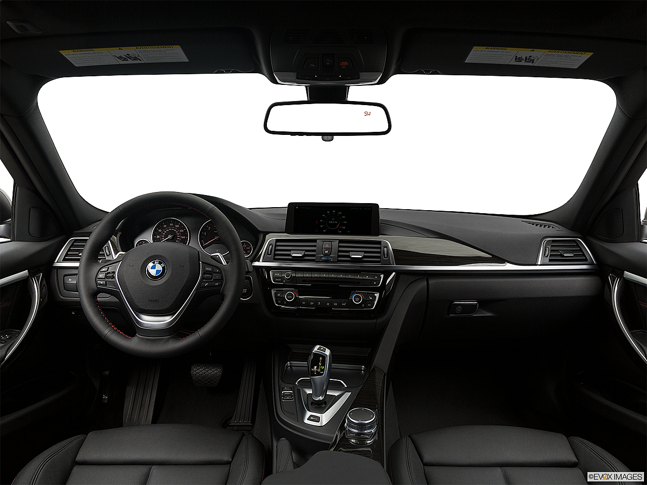 2018 BMW 3-series 330e iPerformance, centered wide dash shot