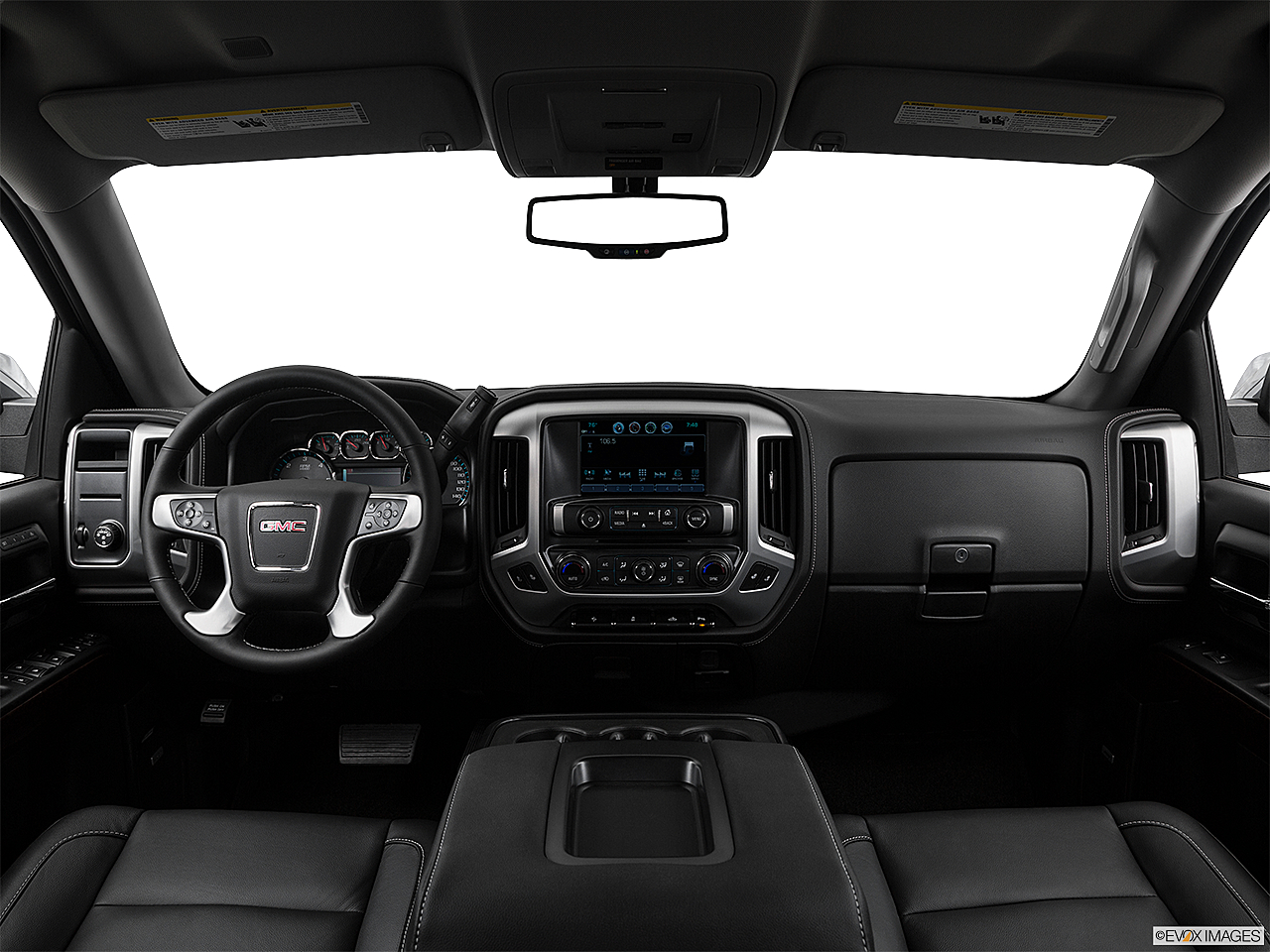 2018 GMC Sierra 1500 SLT, centered wide dash shot