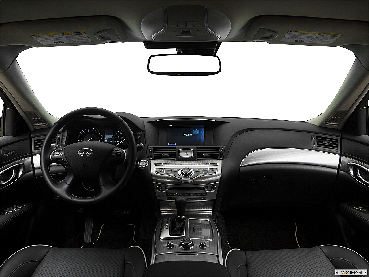 2018 Infiniti Q70 3 7 Luxe Centered Wide Dash Shot