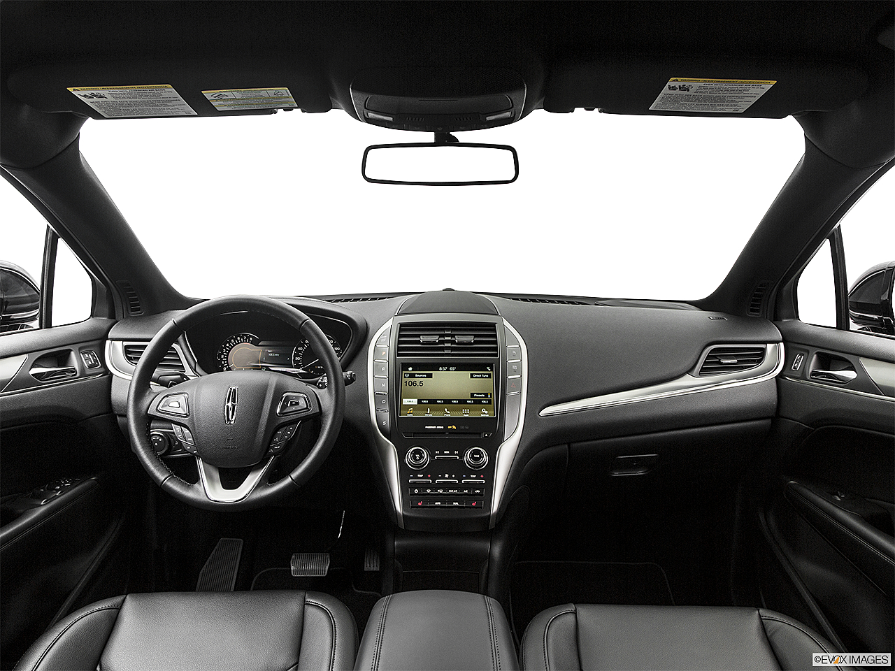 2018 Lincoln MKC Premier, centered wide dash shot