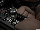 2018 Volvo XC60 T5 Momentum, cup holder prop (primary).