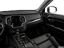 2018 Volvo XC90 T6 Momentum, center console/passenger side.