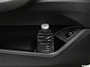2019 BMW X1 xDrive28i, cup holder prop (tertiary).