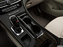 2019 Buick LaCrosse Essence, cup holders.