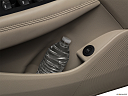 2019 Buick LaCrosse Essence, cup holder prop (tertiary).