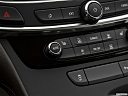 2019 Buick LaCrosse Essence, heated seats control