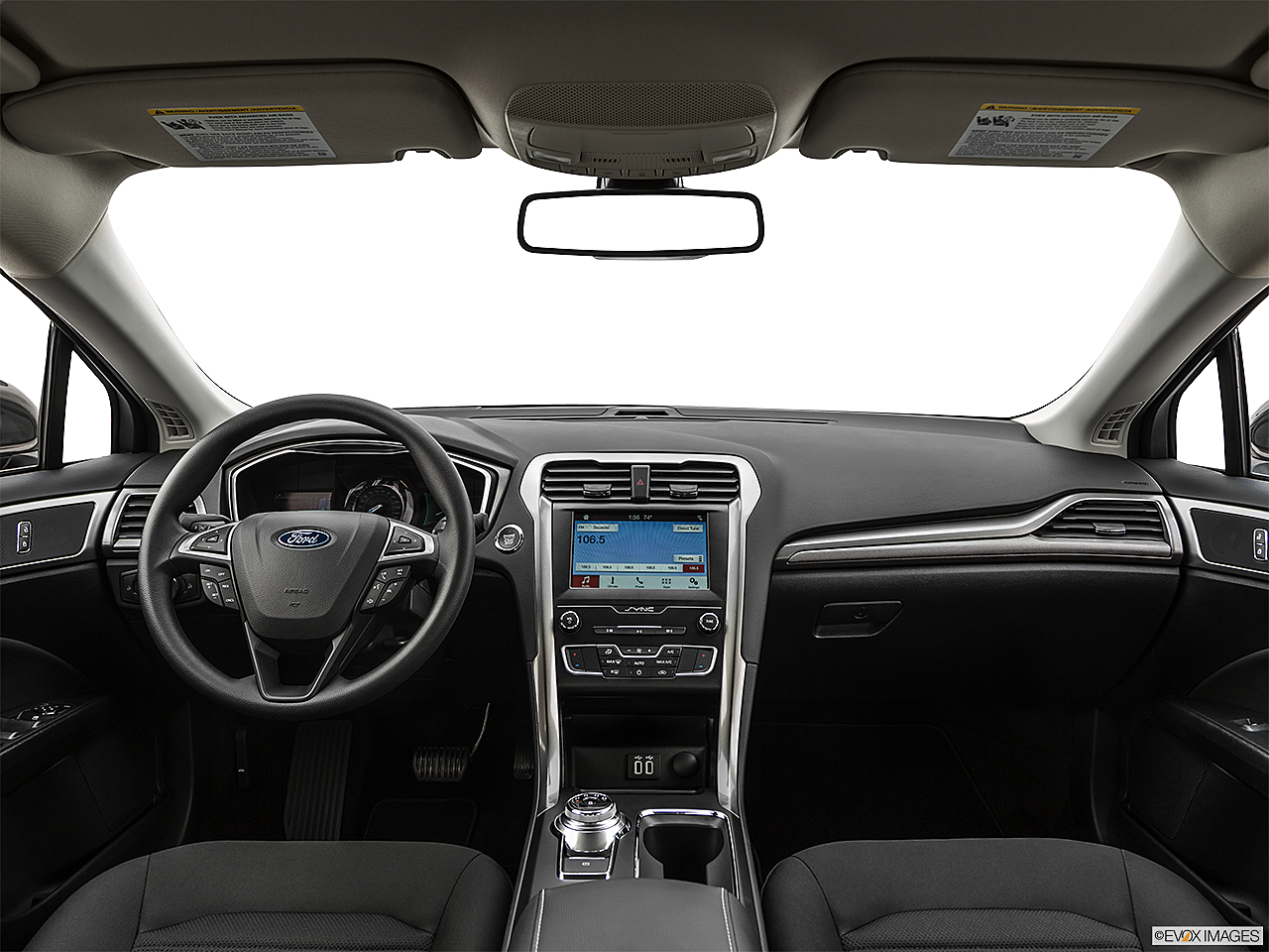 2019 Ford Fusion SE, centered wide dash shot