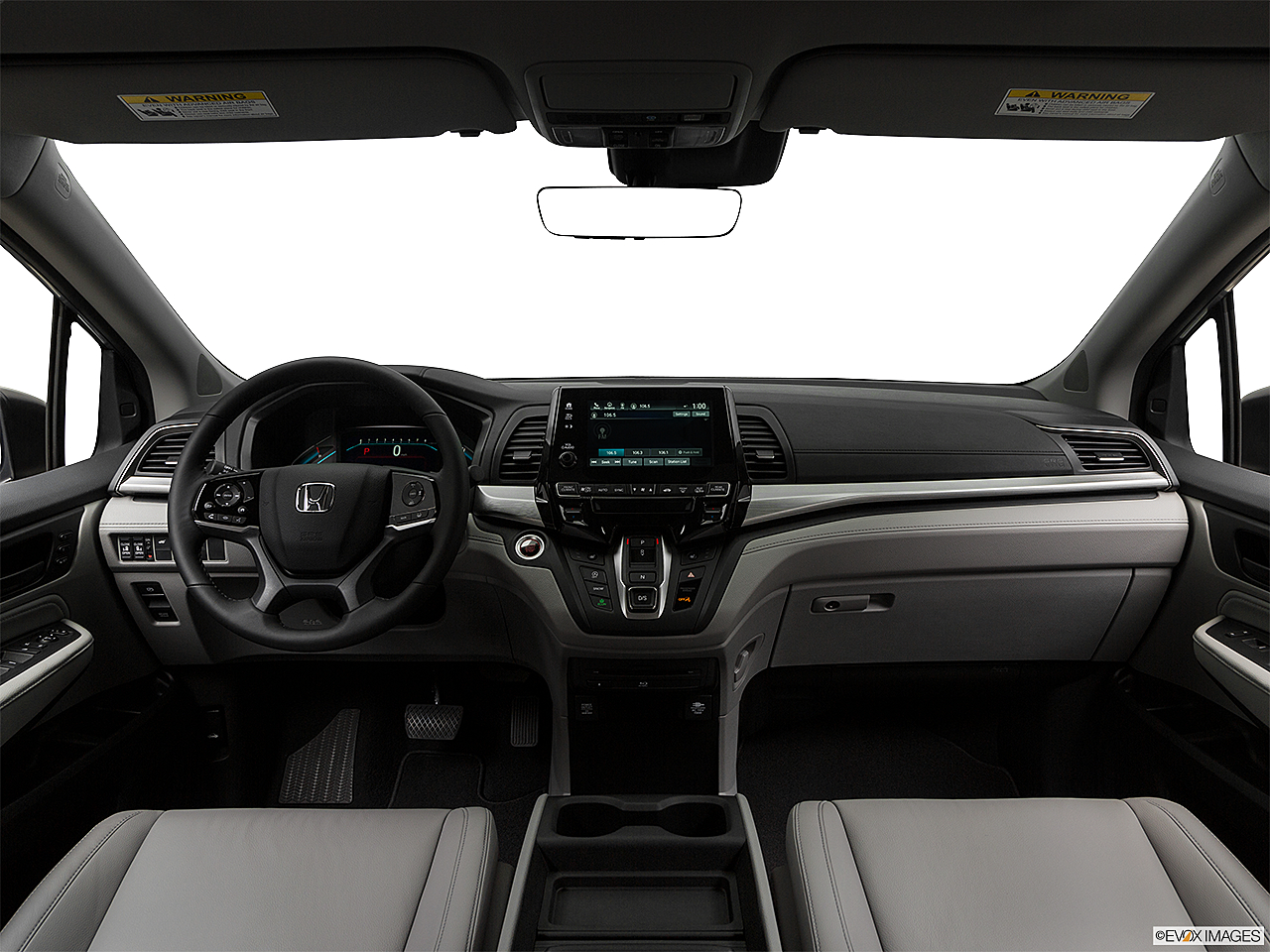 2019 Honda Odyssey Touring, centered wide dash shot