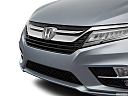 2019 Honda Odyssey Touring, close up of grill.