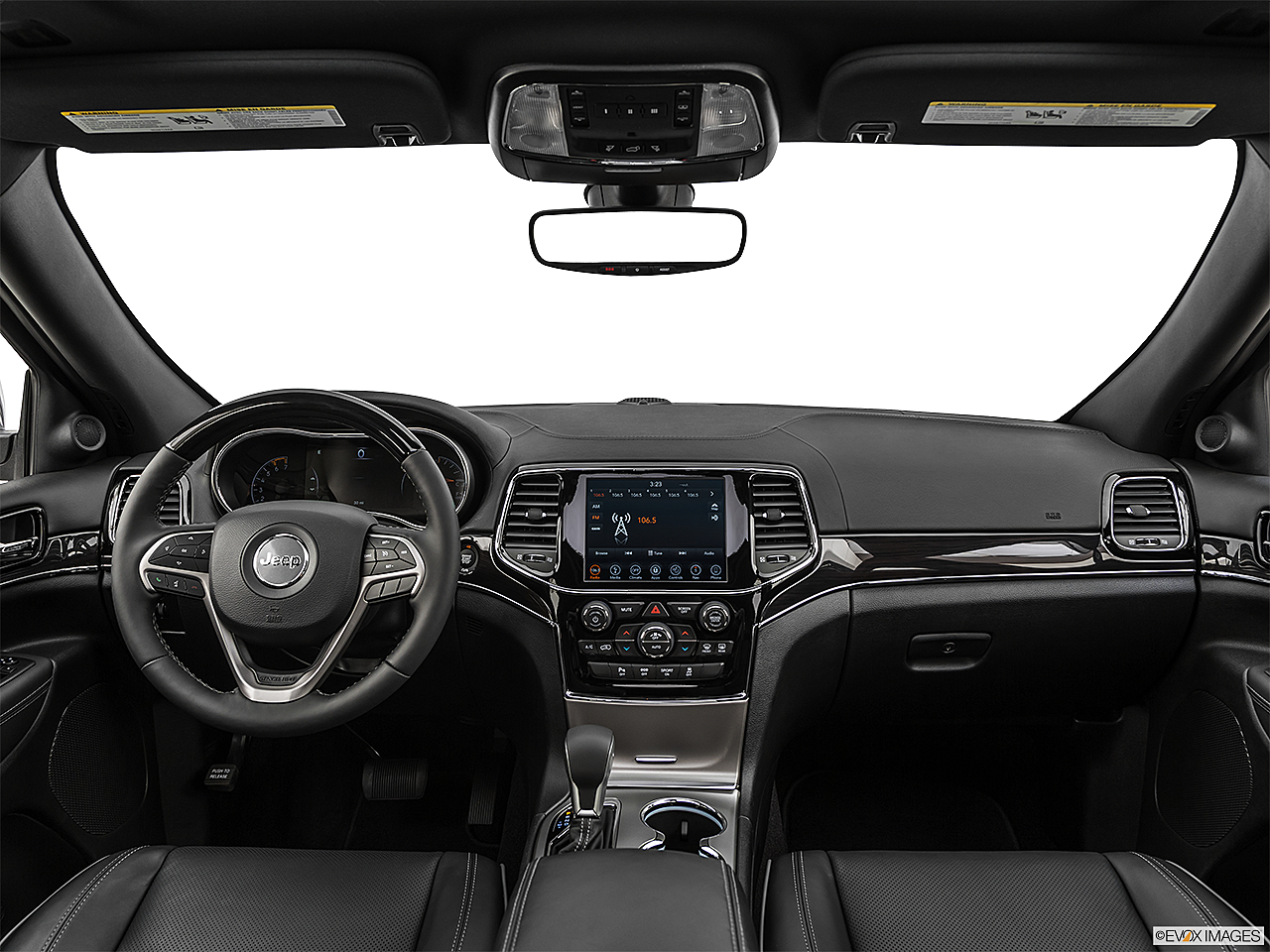 2019 Jeep Grand Cherokee Overland, centered wide dash shot