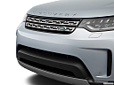 2019 Land Rover Discovery HSE Luxury, close up of grill.