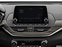 2019 Nissan Altima 2.5 Platinum, closeup of radio head unit
